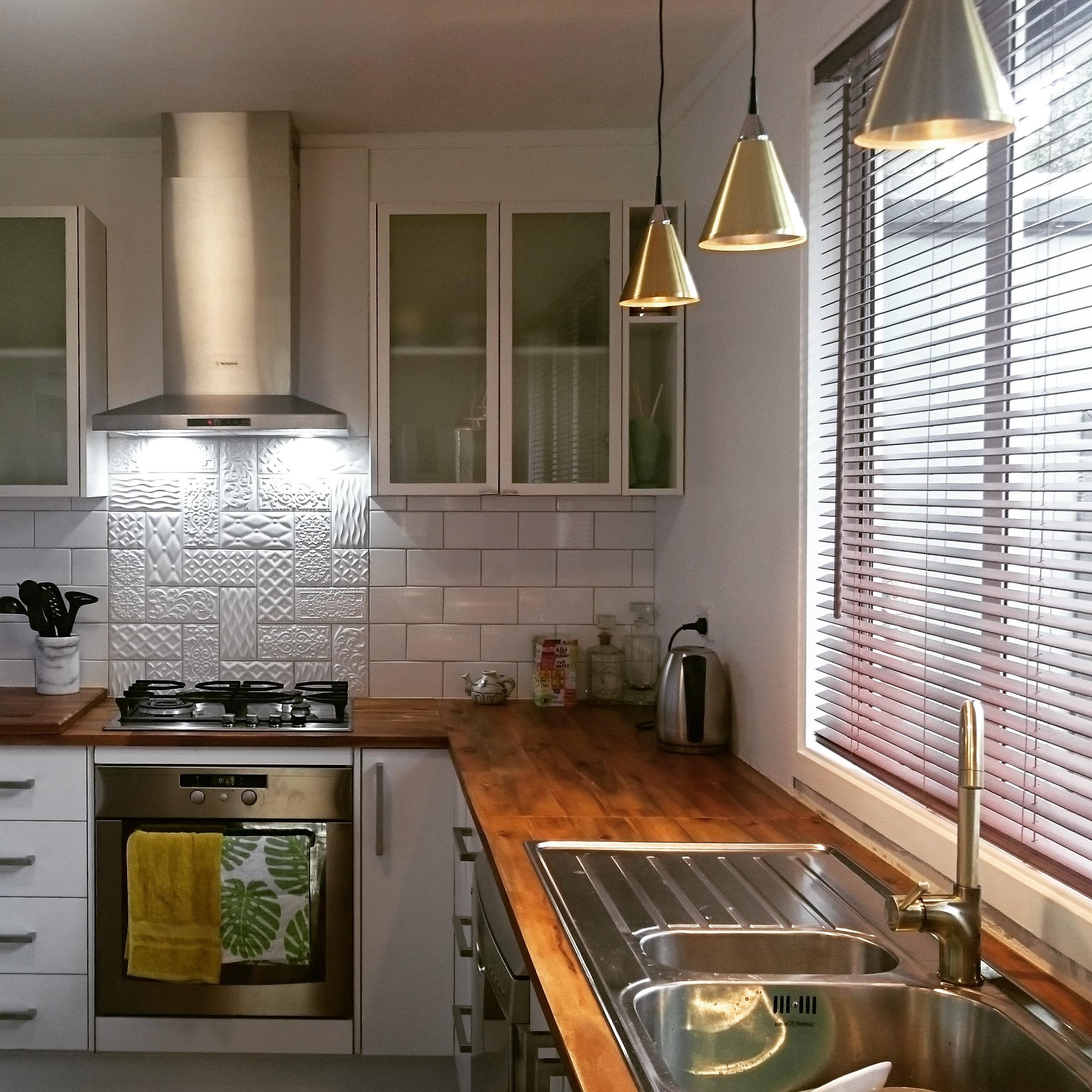 beach kitchen feature