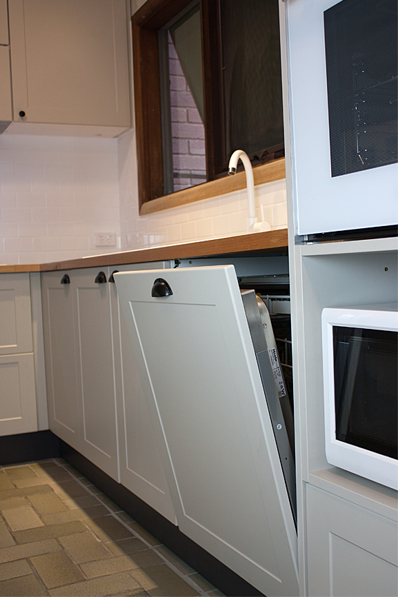 Check Out This Integrated Dishwasher!