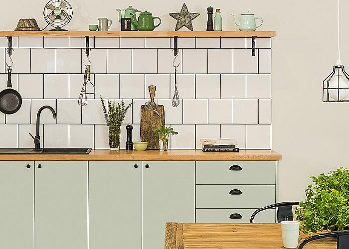green kitchen cabinet trend